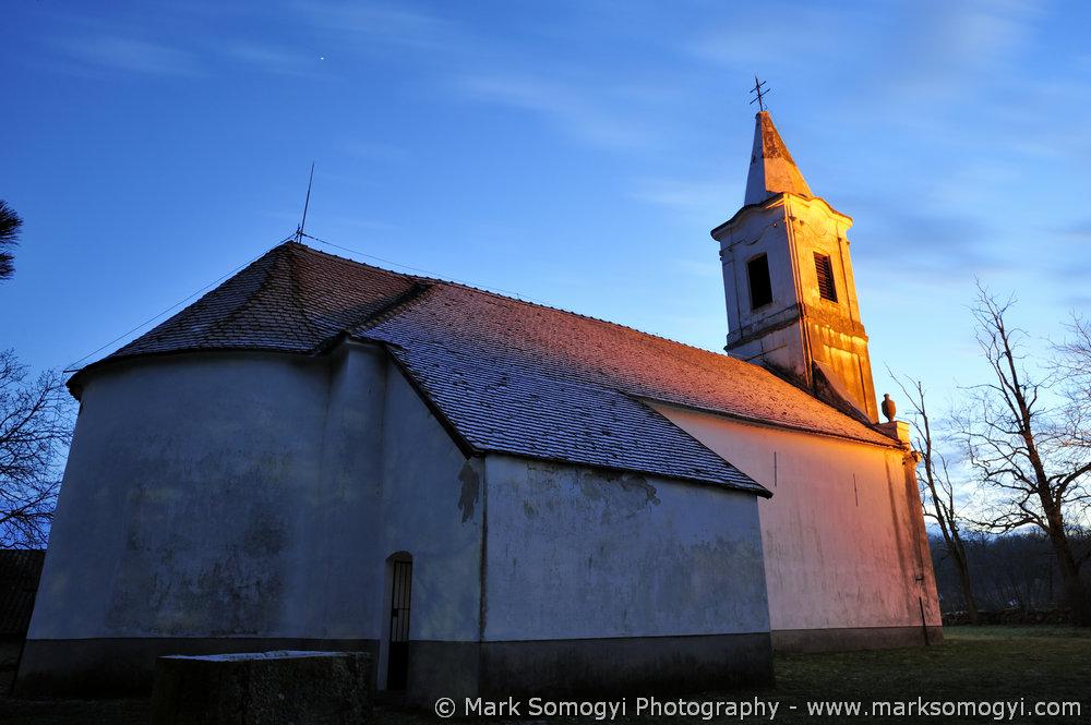 Szent Máté-templom északi oldala. Fotó: Somogyi Márk - www.somogyimark.hu